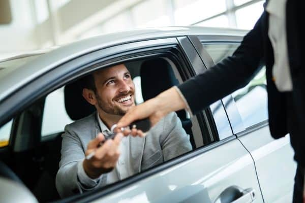 tips to buy a car from a dealer