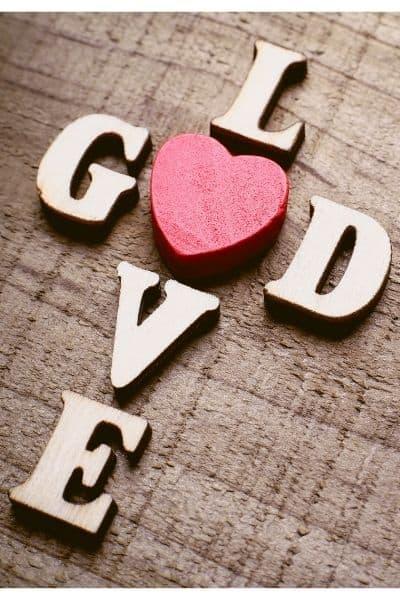 God is Love, Scriptures about God's Love, Bible Verses about God is Love. God is a loving God. DiscoverCreateInspire.com