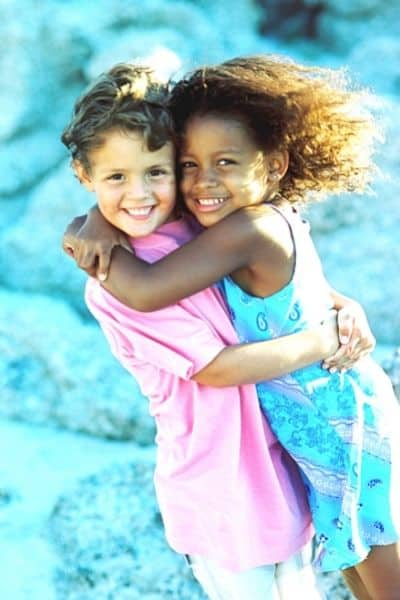 Bible Verses about loving others. DiscoverCreateInspire.com